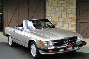 LOW MILES!! 560SL, Gorgeous Smoke Silver finish, Only 27k miles, Records