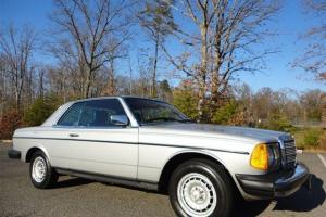 1985 MERCEDES BENZ 300 CD COUPE DIESEL 2+2 1-OWNER LOW MILES VERY CLEAN SURVIVOR