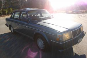 1987 Volvo 240 DL Photo