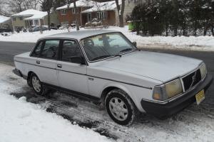 1986 volvo 240 DL Photo