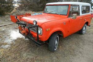 1970 International Harvester Scout 800  6cly automatic  w snow plow