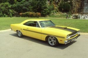 1970 Plymouth GTX Yellow Air Grabber Pistol Grip 4-speed 440 Roadrunner Hemi