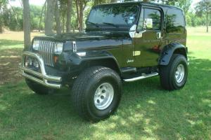 87 JEEP WRANGLER YJ! BLACK/BLACK LOADED! AUTOMATIC! AC! ALL THE GOODIES! Photo