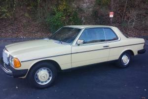 *RARE* 1978 Mercedes-Benz 300CD Base Coupe 2-Door 3.0L