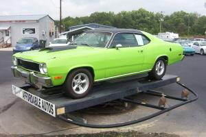1975 Plymouth Duster Custom Coupe 2-Door 5.2L
