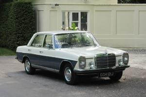 1971 Mercedes-Benz 220/8 W115 Classic Saloon Photo