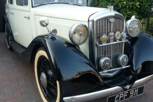 1935 WOLSELEY BLACK/WHITE