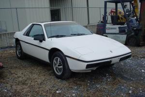 Pontiac : Fiero 2dr Coupe SE