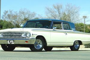Mercury : Monterey Breezeway Window 2 Door Sedan