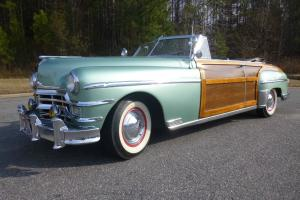 Chrysler : Town & Country 2-door coupe convertible woodie Photo