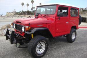 Toyota : Land Cruiser BJ42