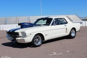 Ford : Mustang 2 Door