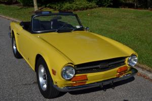Triumph : TR-6 2 door convertible