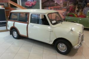 1970 AUSTIN MINI TRAVELER - SLIDING WINDOWS