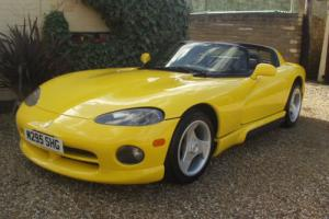 1995 DODGE / CHRYSLER VIPER RT/10 V10 CONVERTIBLE ( ONLY 11000 MILES )