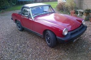 1977 MG MIDGET 1500 RED