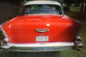 Chevrolet : Bel Air/150/210 4 door post sedan Photo