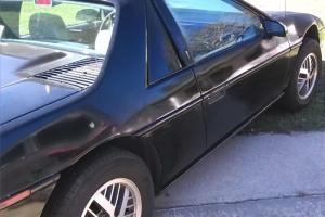 Pontiac : Fiero Sport Coupe 2-Door