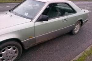 1987 MERCEDES 300 CE AUTO GREEN
