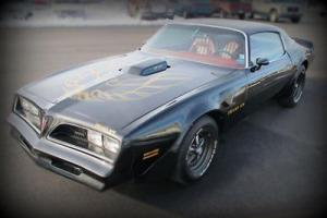 77 Trans Am WS4  400 V8  Automatic black gold red leather Coupe