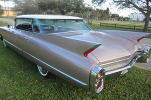 1960 CADILLAC DEVILLE 62 SERIES FLAT TOP BIG FIN CADY ALL ORIGINAL LIKE NEW ! Photo
