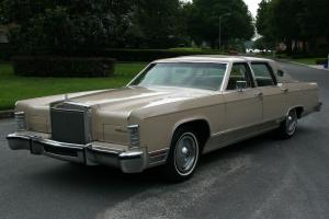 ELEGANT ONE OWNER ESTATE TOWNCAR - 1978 LincolnTowncar -  65K ORIG MI Photo