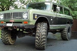 "1973 1310 IH International Travelall, 4x4, 392 V8, Auto, Dana 70's, 44"" Tires!!!"