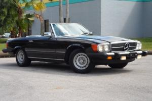 380SL BLACK OVER GRAY INTERIOR RARE REAR SEATS WITH BELTS