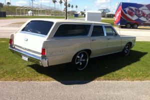 1965 Pontiac Tempest Custom Wagon