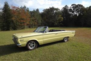 1967 Plymouth Belvedere convertible 440 automatic yellow with black top