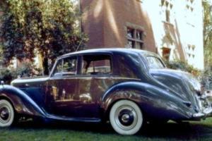 1953 Bentley Type R Tudor Grey Dark Red