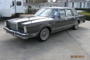 1981 Lincoln Mark VI Base Sedan 4-Door 5.0L