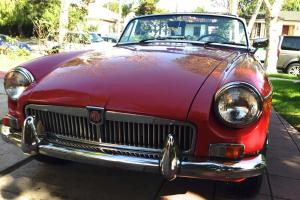 1966 MGB roadster - convertible with O/D, wire knock-off whees