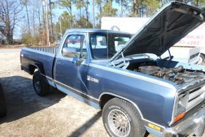 Dodge : Ram 1500 black