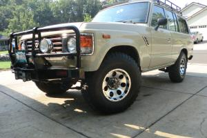 Toyota : Land Cruiser FJ 60 Photo
