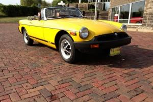 Economical 4 cylinder.4 speed leather stereo correct original MGB British sports