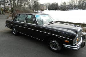 1972 280 SE 4.5 MERCEDES-BENZ SEDAN SHOWROOM ORIGINAL MILES