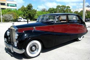 Silver Wraith Touring Limousine . Freestone Webb . Florida