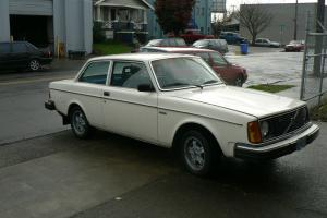 1980 Volvo 242 stick RARE