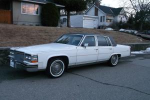 Cadillac : Fleetwood Feedwood Brougham D'elegance