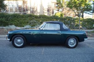 1965 MGB RUST FREE & RECENTLY RESTORED EXAMPLE WITH CHROME WIRE WHEELS!