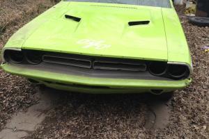 1971 Dodge Challenger R/T classic mopar muscle car project