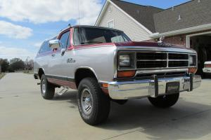Mint 1989 Dodge Ramcharger 4 X 4: only 27,000 original miles!