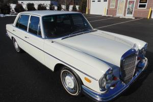 1969 Mercedes Benz 280 SEL Exceptionally Clean Car !!! Must See !!!
