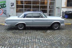 1965 Mercedes-Benz 300SE Coupe Four-Speed Floor Shift