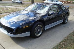 1986 Pontiac Fiero GT Coupe 2-Door 2.8L