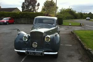 1950 Bentley MK VI 1 1/4 Saloon Photo