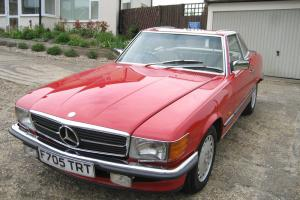 Mercedes Benz R107 SL500 1989 Signal red with Cream leather