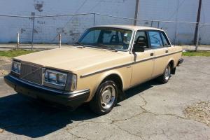 1984 Volvo DL Base Sedan 4-Door Clean Original Photo