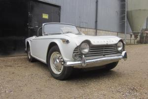 Triumph Tr4a irs overdrive perfect dry car to restore. L@@K Photo